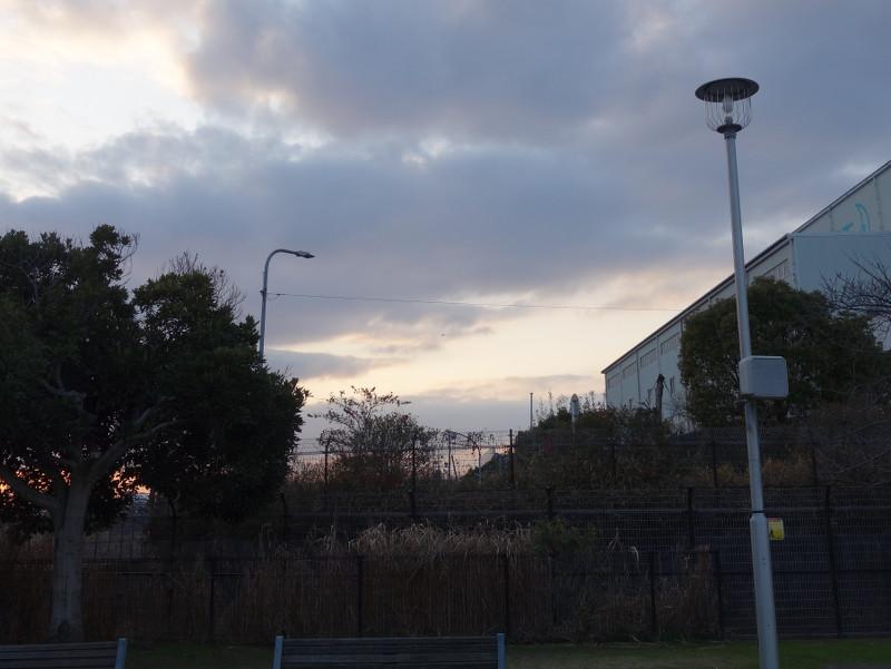 夕方の空と飛行機